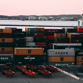 Freight forwarder versus customs broker, what's the difference?